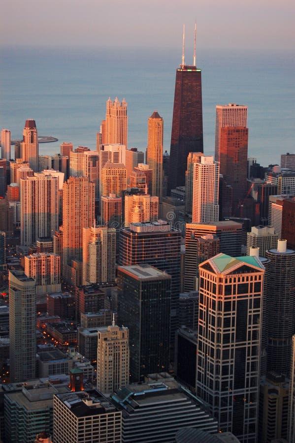 Chicago bij zonsondergang stock afbeeldingen