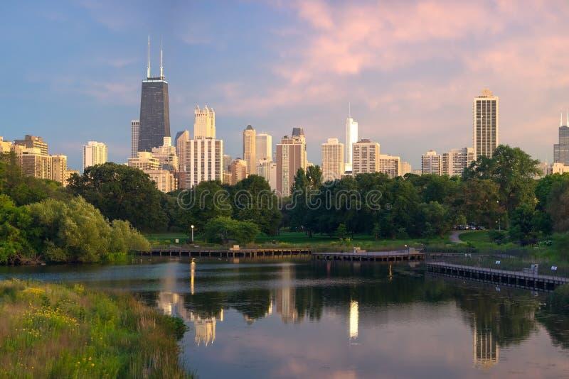 Chicago bij zonsondergang royalty-vrije stock afbeeldingen
