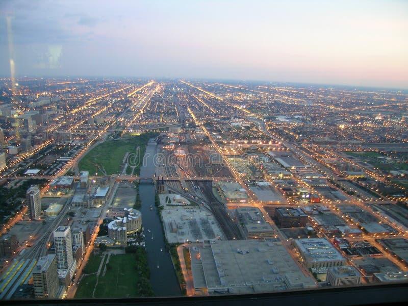 Chicago-Dämmerung, Luftaufnahme lizenzfreies stockbild