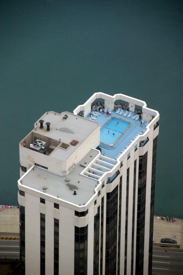 Chicago - de Bovenkant van de Wolkenkrabber met Zwembad stock fotografie