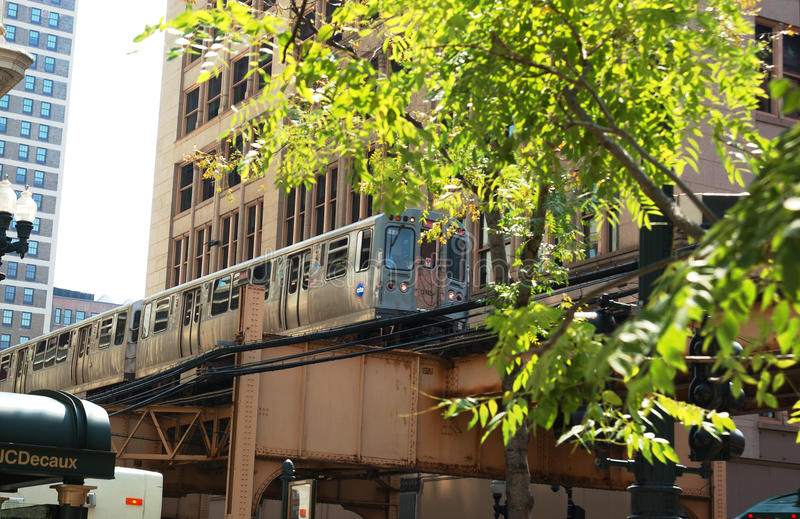 Download Chicago Downtown Train Royalty Free Stock Photo - Image: 32234315