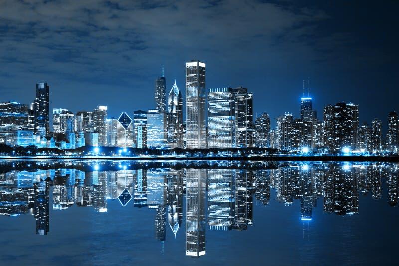 Chicago du centre la nuit images stock