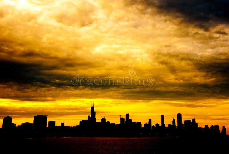 Chicago en la puesta del sol foto de archivo libre de regalías