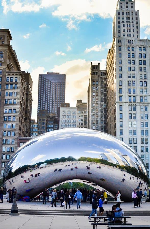 CHICAGO, EUA - 1º DE OUTUBRO DE 2015: Feijão do parque do milênio em Chicago imagens de stock royalty free