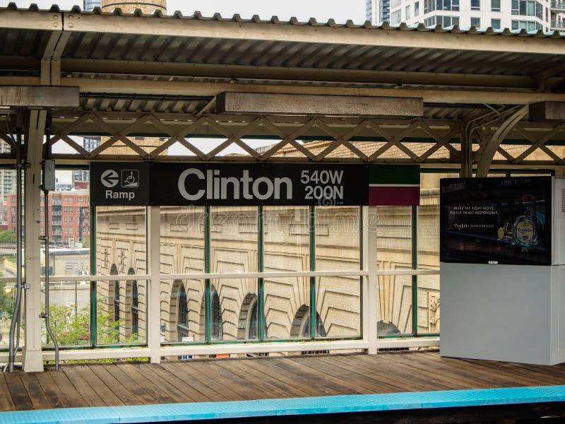 Chicago Förenta staterna - den Clinton stationen av gångtunnelen i Chicago - Förenta staterna royaltyfri bild