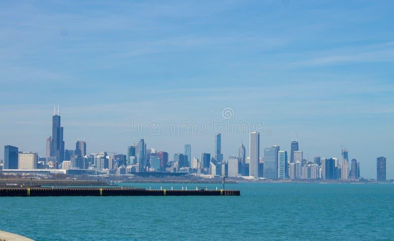 Chicago horisont på en solig dag arkivfoto