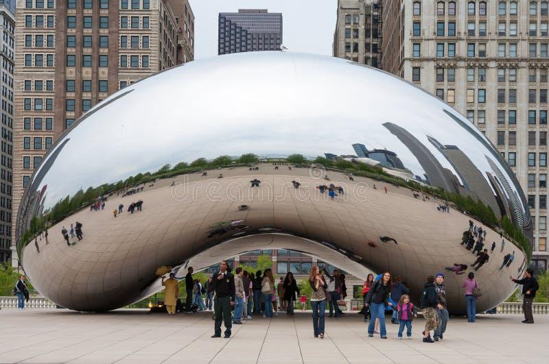 CHICAGO, IL - 5 de novembro: Porta e Chicago da nuvem imagens de stock royalty free
