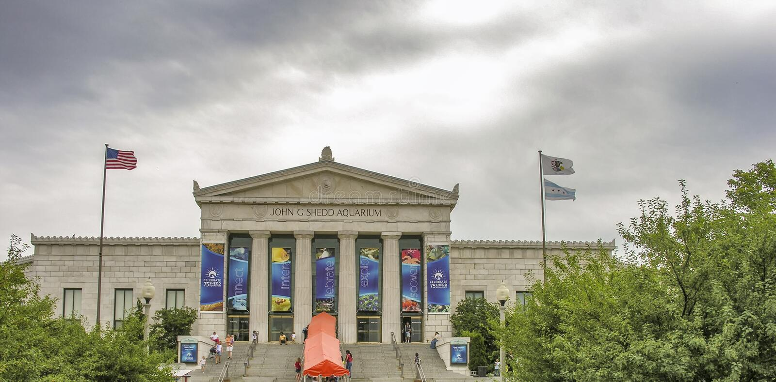 CHICAGO, IL - SUMMER 2005: Shedd Aquarium on a cloudy day. It is stock photography