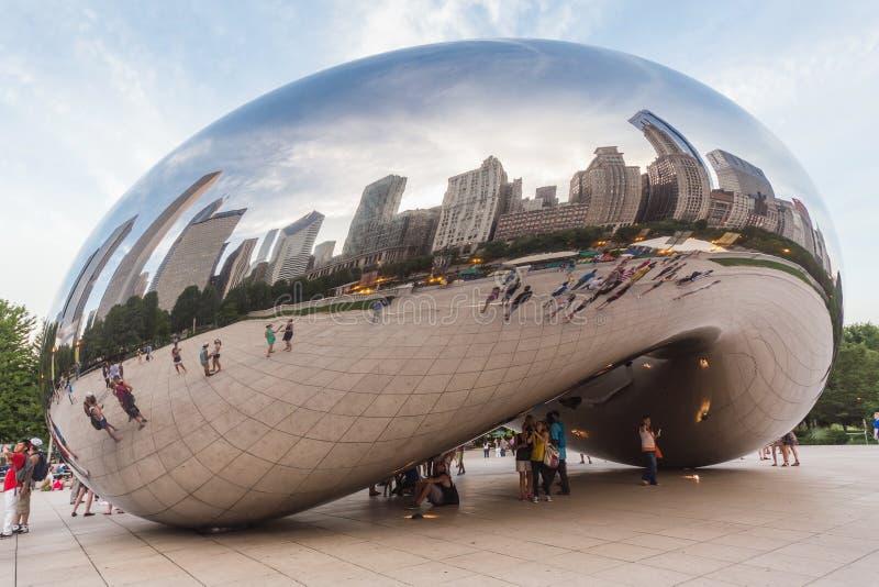 Chicago, IL/USA - circa luglio 2015: Portone della nuvola al parco di millennio in Chicago, Illinois fotografia stock