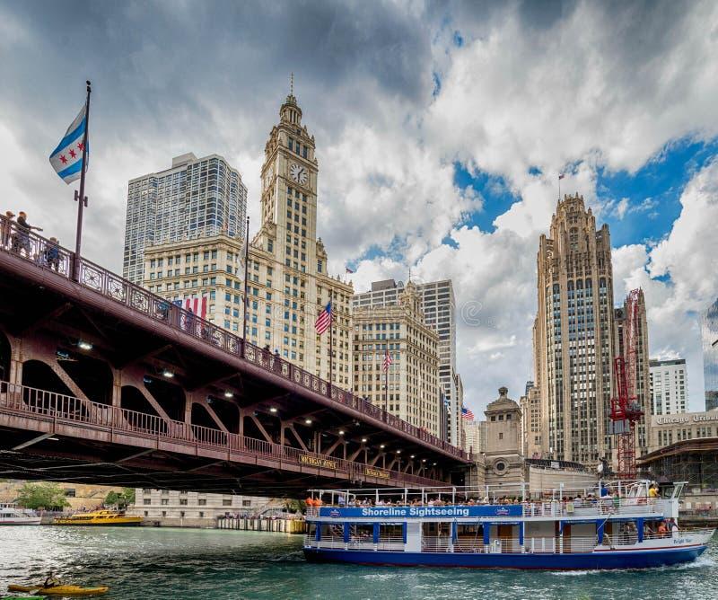 Chicago, IL Verenigde Staten - 03 Juli, 2017: Toeristenboot op stock afbeeldingen