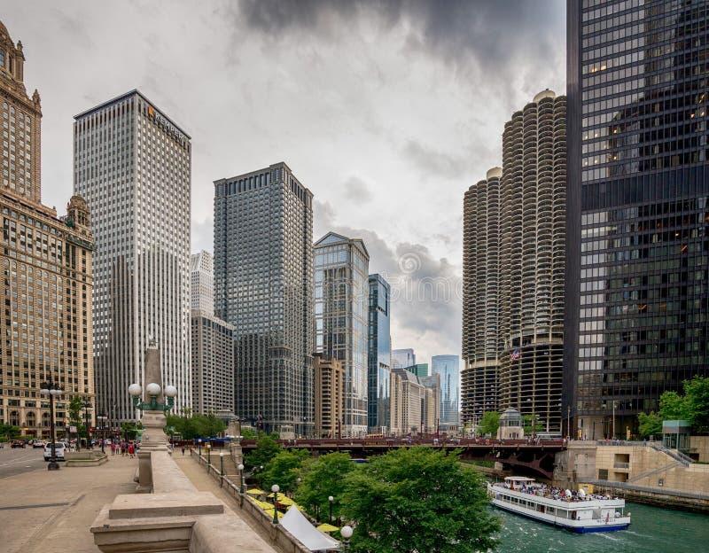Chicago, IL Verenigde Staten - Julyl 03, 2017: Toeristenboot op Th stock afbeelding