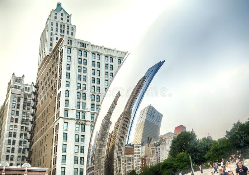 CHICAGO, ILLINOIS, EUA - 14 DE JULHO DE 2018: Porta da nuvem no parque do milênio em Juky 14, 2018 em Chicago Igualmente é sabido foto de stock royalty free