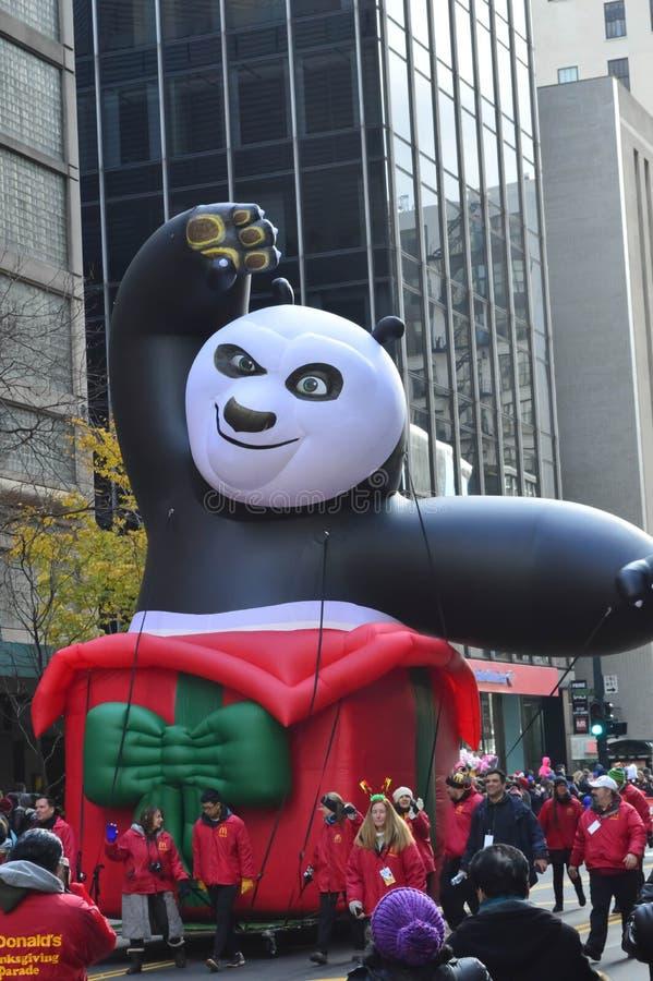 Chicago, Illinois - Kungfupanda in Mcdonald-Dankzeggingsparade stock afbeeldingen