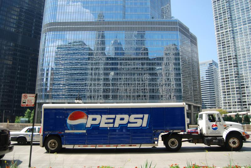Chicago Illinois, USA Juli 21, 2011: En Pepsi lastbil på Wacker drev royaltyfri fotografi