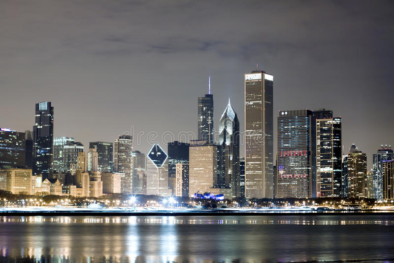 Chicago la nuit photos stock