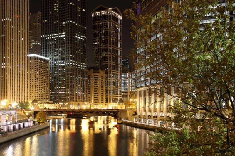 Chicago la nuit photos libres de droits