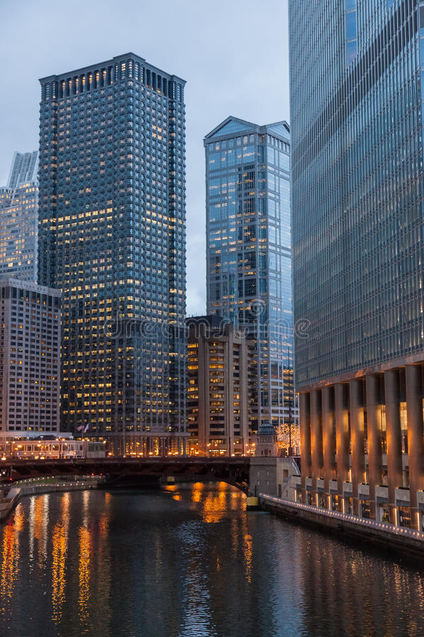 Download Chicago Loop stock image. Image of city, night, cityscape - 28710719