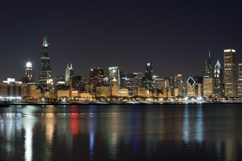 Chicago nachts stockfotografie