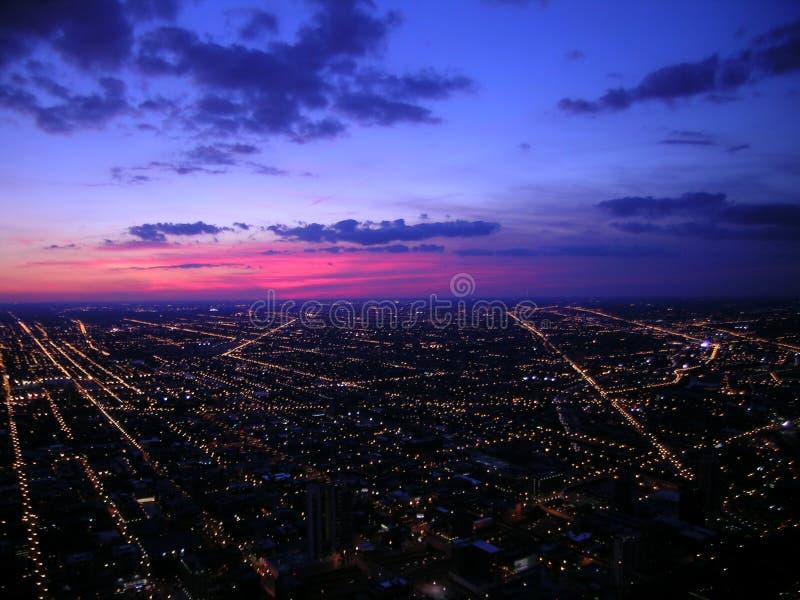 Chicago nachts, Luftaufnahme lizenzfreie stockfotos