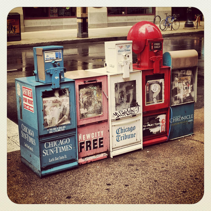 Download Chicago News Paper Stand Editorial Stock Photo - Image: 31550638