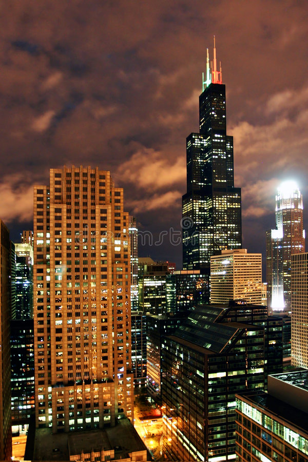 Download Chicago at night stock photo. Image of buildings, nighttime - 6535376