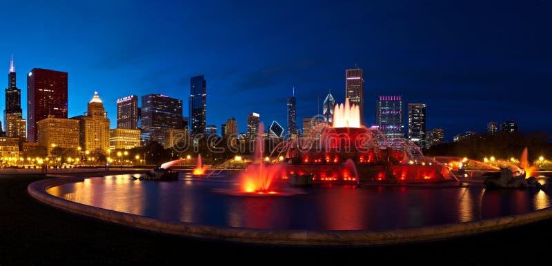 Chicago på natten arkivbilder