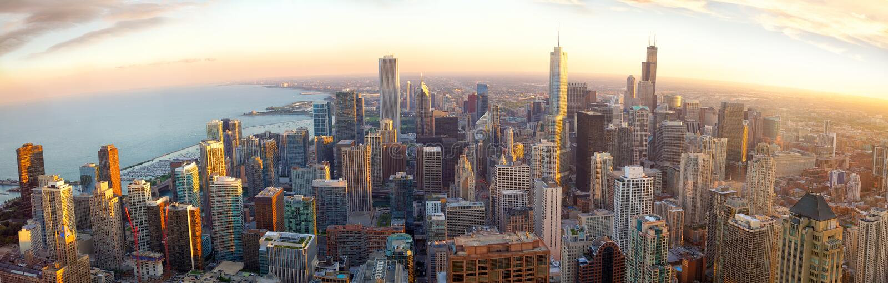 Chicago panorama på solnedgången royaltyfri fotografi