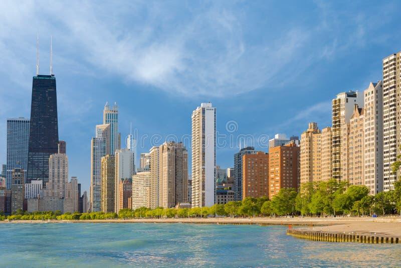 Chicago por una mañana del verano fotos de archivo libres de regalías