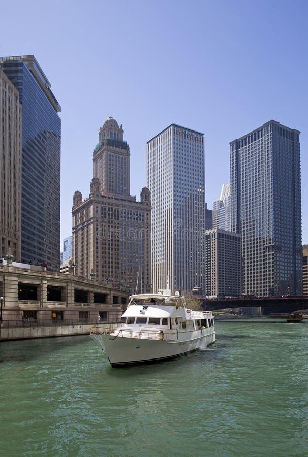 Chicago River beskådar arkivbild