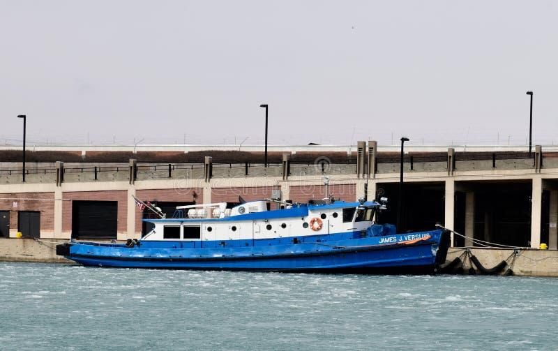 Chicago River Icebreaking bogserbåt royaltyfri fotografi