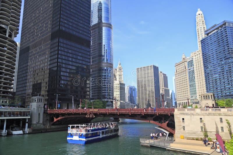 Chicago River und Skyline, Illinois stockfoto