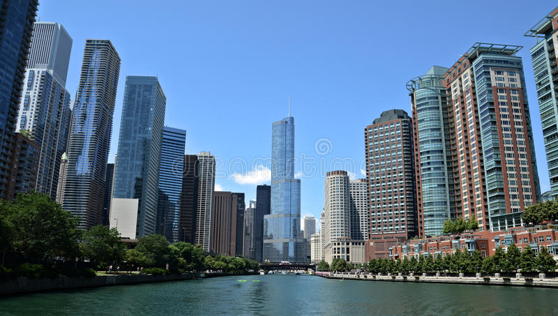 Download Chicago River View, With Trump International Hotel And Tower Editorial Stock Image - Image of summer, chicago: 32582404