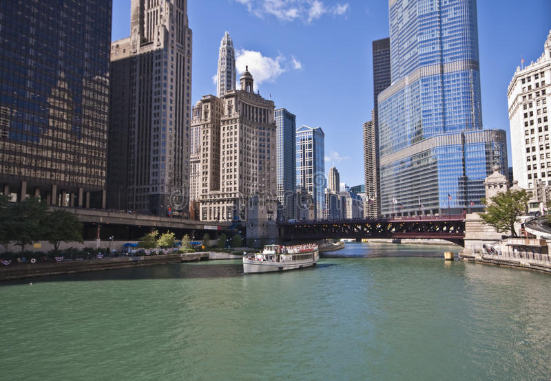 Download Chicago Riverboat Tour Of The City Editorial Image - Image: 16067930