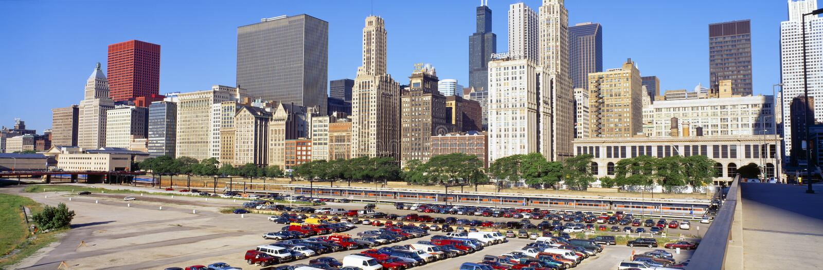 Download Chicago Skyline editorial photo. Image of cars, panorama - 23170091