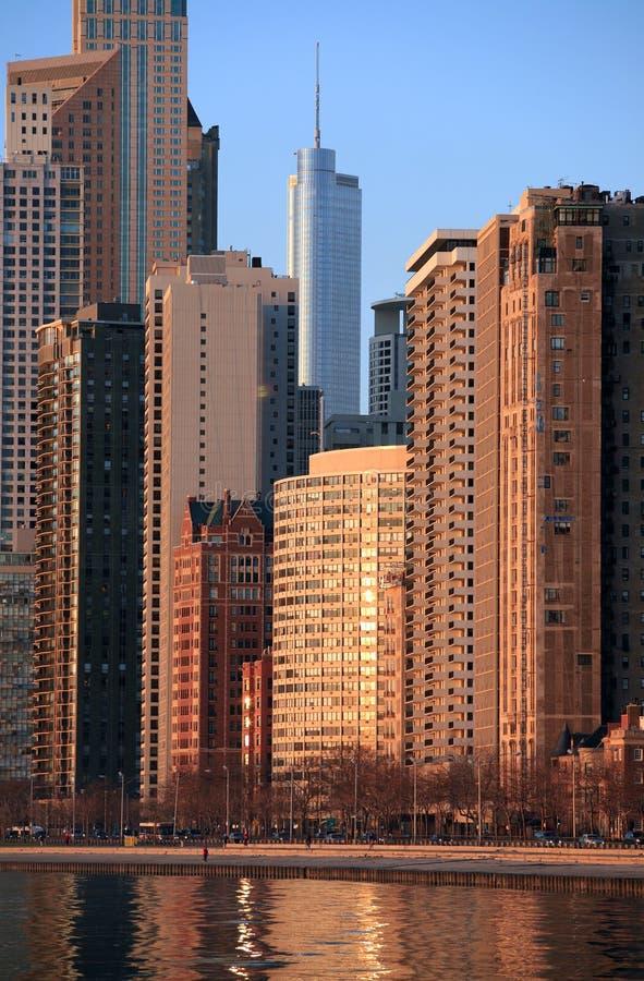 Chicago-Skyline an der Dämmerung lizenzfreies stockfoto