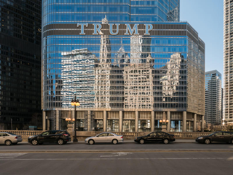 Chicago skyline reflections in Trump Tower glass royalty free stock photos