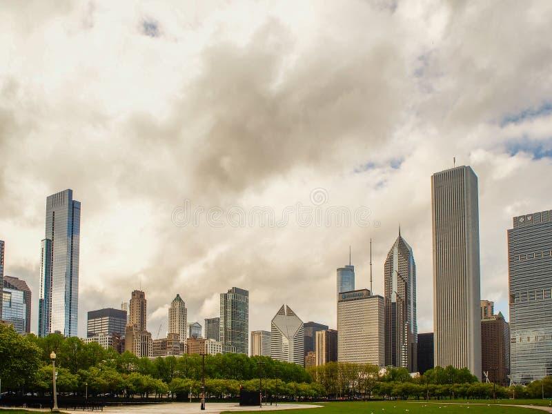 Chicago, Stany Zjednoczone - Chicagowski budynku adn milenium park, Chicagowski miasto, usa fotografia royalty free