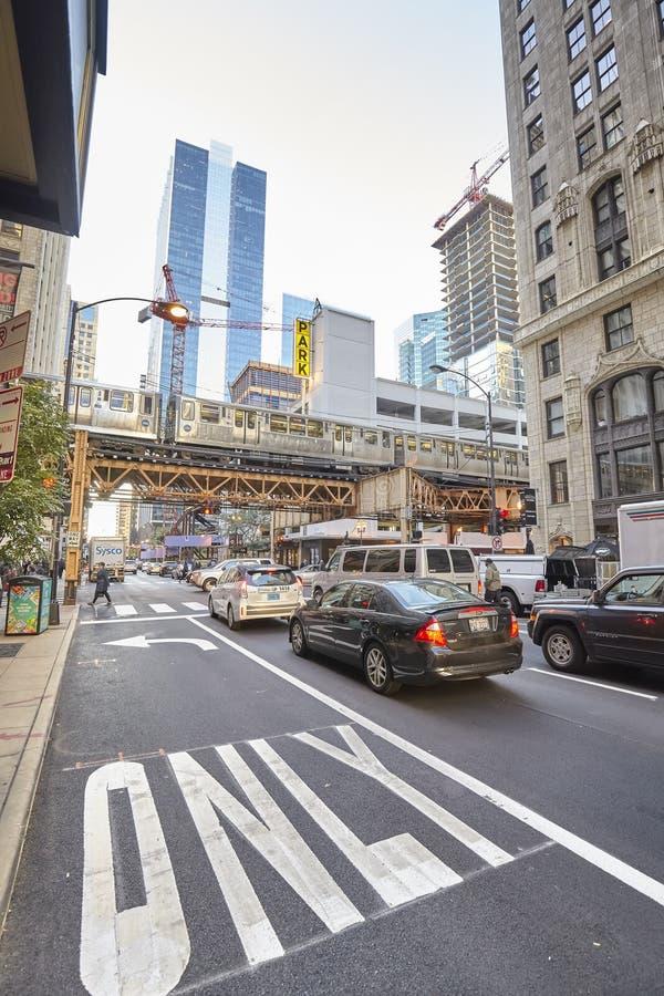 Chicago, USA - 13. Oktober 2016: Stoßverkehr auf beschäftigtem stree stockbild