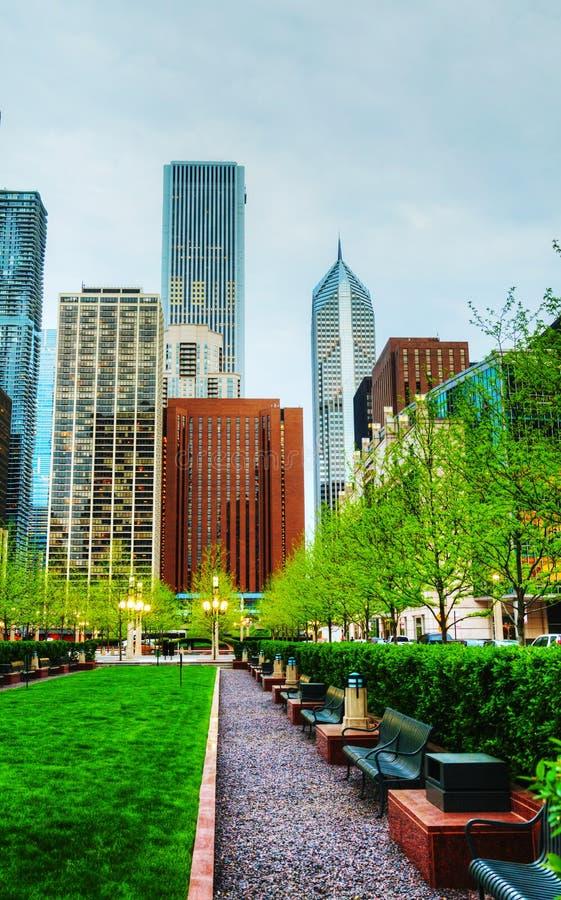 Chicago van de binnenstad, IL bij zonsondergang royalty-vrije stock afbeelding