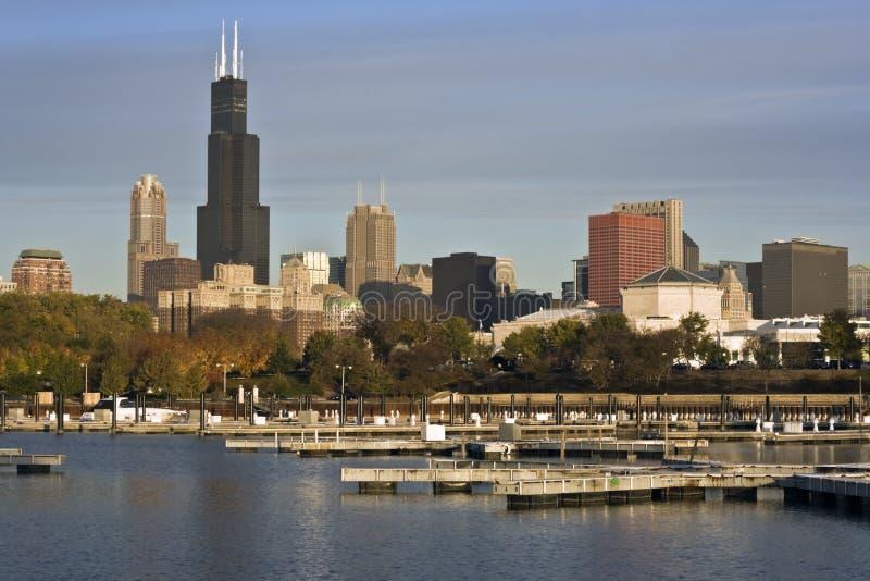 Chicago visto dal porticciolo fotografia stock libera da diritti