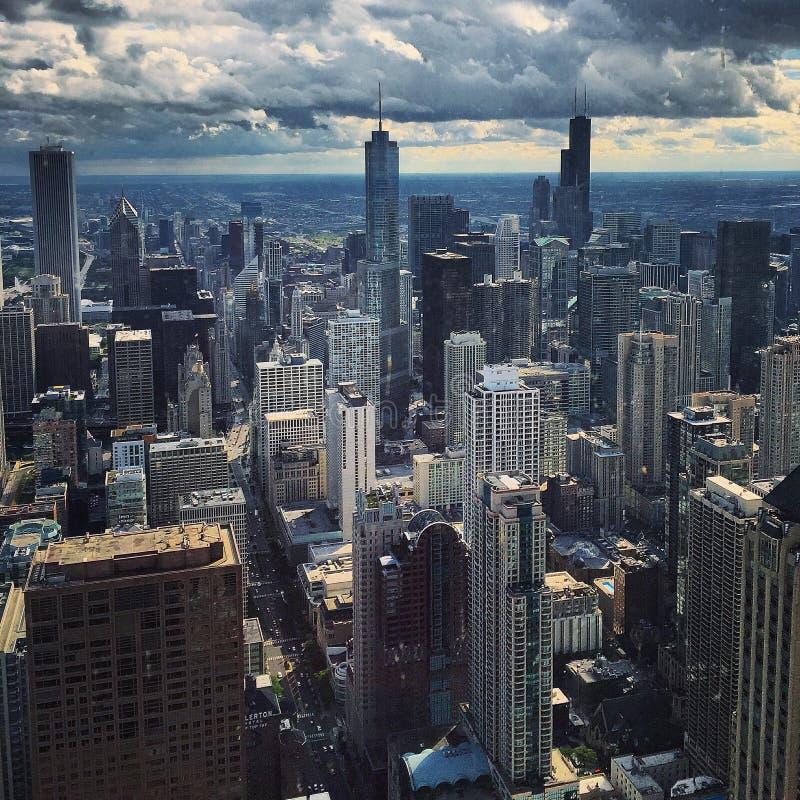 Chicago, welches die Nacht wartet lizenzfreie stockfotos