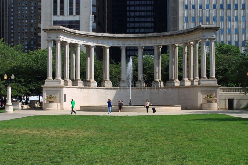 Chicago Wrigley ajustent en stationnement de millénaire images libres de droits