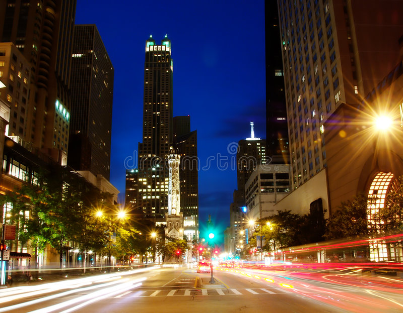 Chicagos Michigan-Allee, Nacht lizenzfreies stockfoto