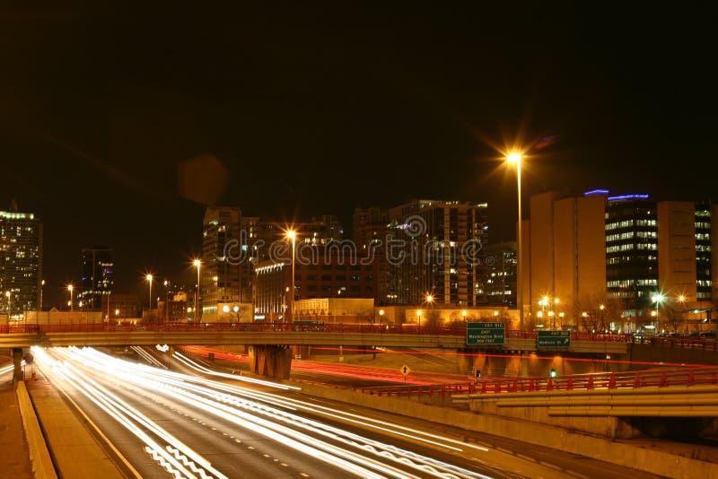 Chicagos Westschleife nachts II lizenzfreie stockfotografie