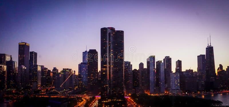 Chicagowska linia horyzontu - marynarki wojennej molo zdjęcie stock