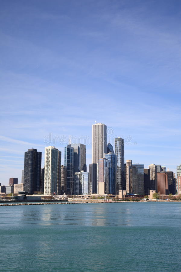 Chicagowska linia horyzontu na jezioro michigan fotografia royalty free