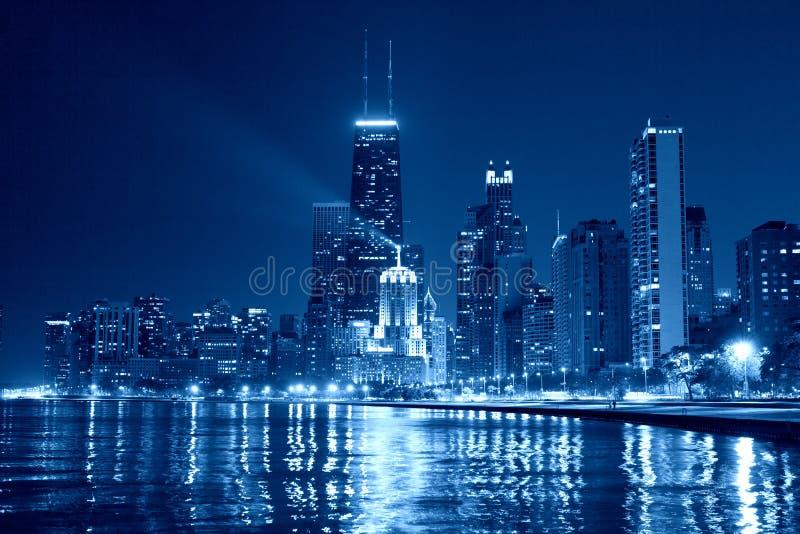 Chicagowska linia horyzontu przy nocą zdjęcie stock