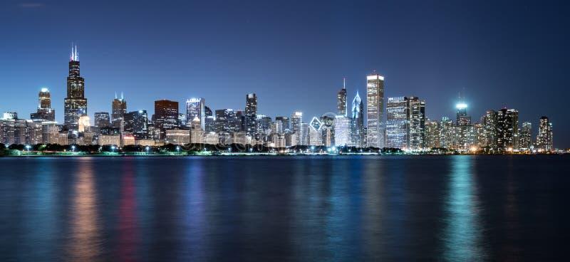 Chicagowska nocy linia horyzontu zdjęcie royalty free