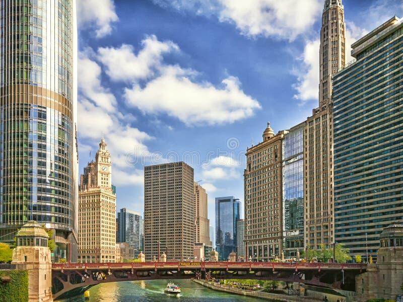 Chicagowska rzeka przy Wabash aleją w Chicago, usa komunalne pejzaż nowocześnie obrazy royalty free