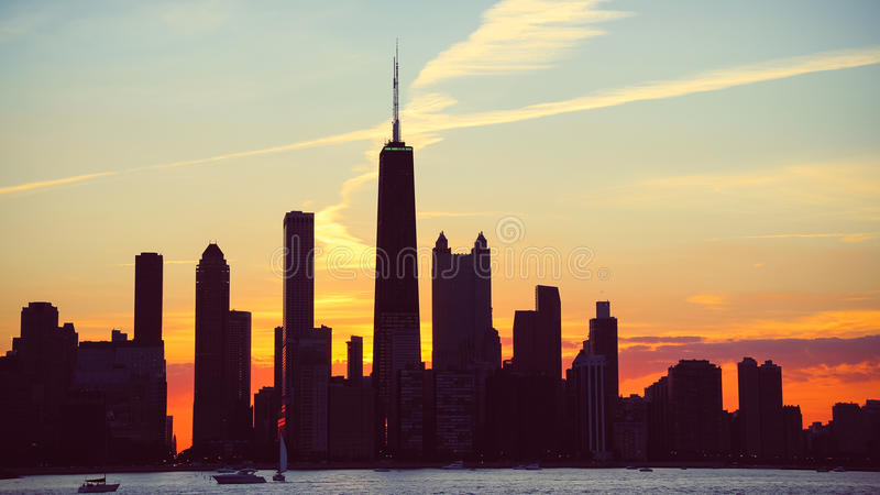 Chicagowski linia horyzontu półmrok obrazy stock